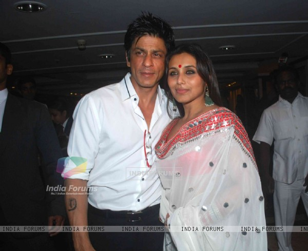 Shahrukh Khan with Rani Mukherjee at Sameer Soni and Neelam's wedding reception
