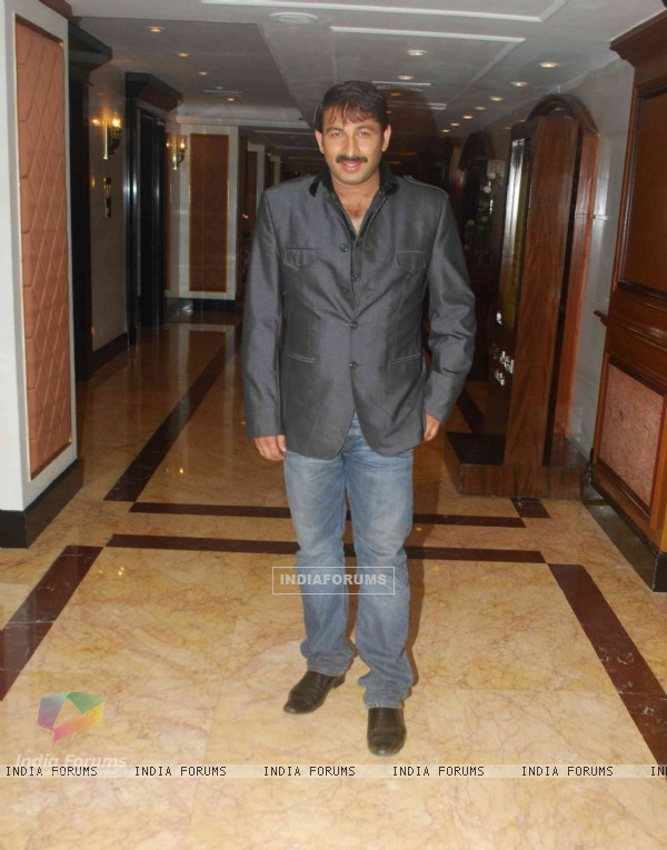 Manoj Tiwari in Sameer Soni and Neelam's wedding reception
