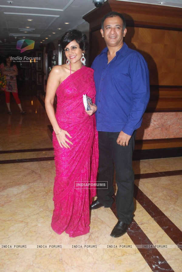 Mandira Bedi with her hubby in Sameer Soni and Neelam's wedding reception