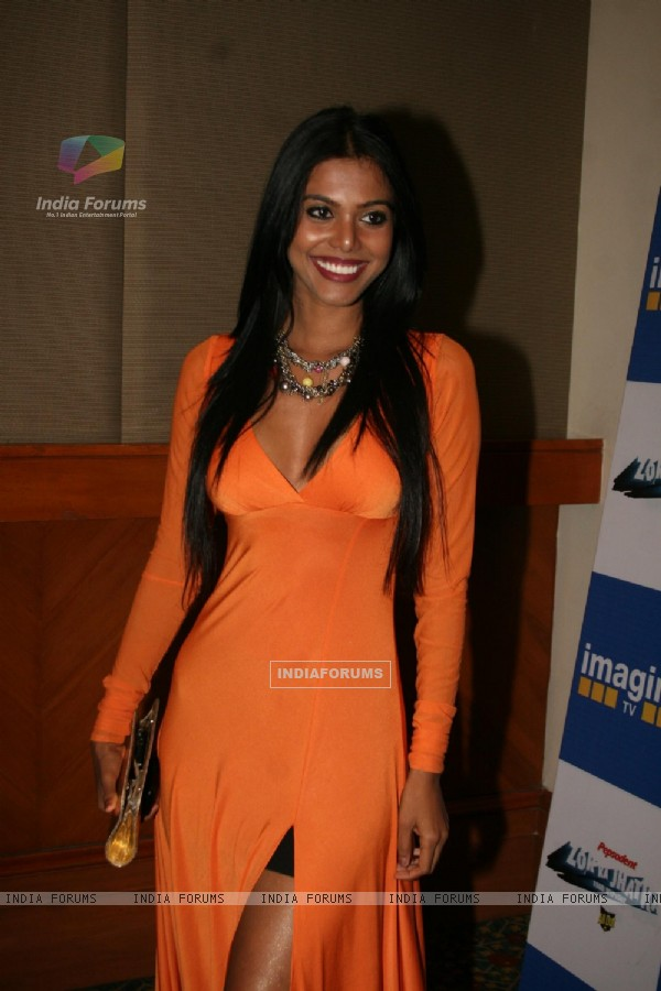 Natasha Suri at 'Zor Ka Jhatka' bash at JW Marriott Hotel in Mumbai