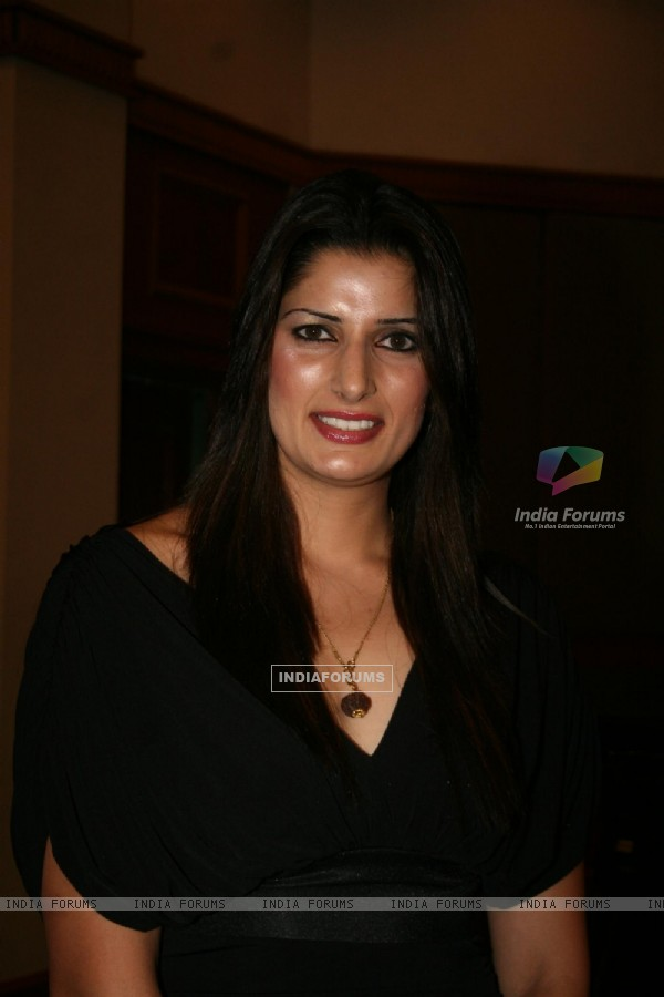 Sonika Kaliraman at 'Zor Ka Jhatka' bash at JW Marriott Hotel in Mumbai