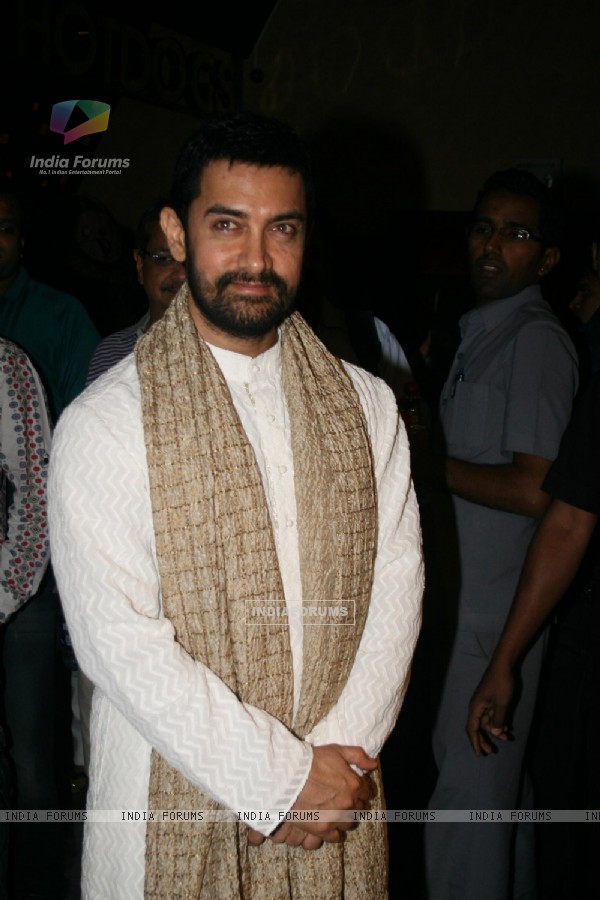 Aamir Khan at 'Rang De Basanti' team celebrates its 5th year with special screening (118468)