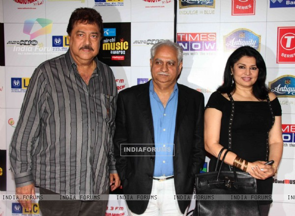 Ramesh and Kiran Sippy at Mirchi Music Awards 2011 at BKC