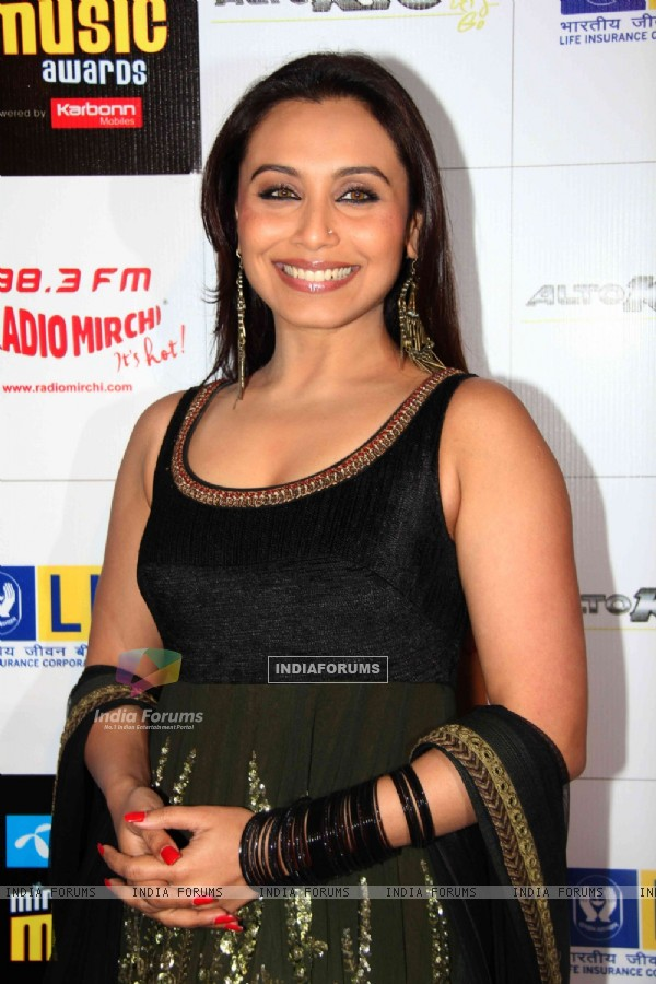 Rani Mukherjee at Mirchi Music Awards 2011 at BKC