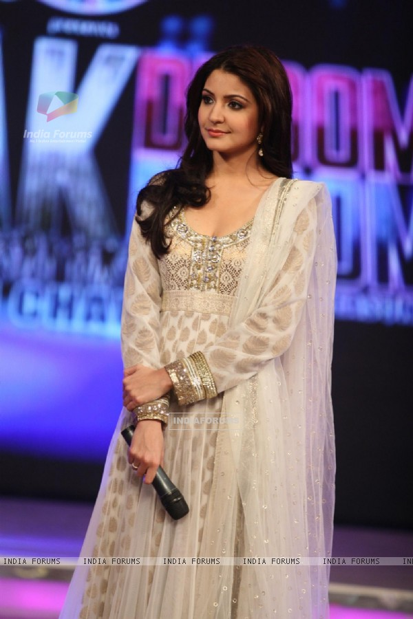 Anushka Sharma on Chak Dhoom Dhoom 2 - Team Challenge