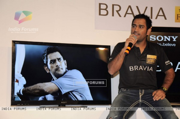 Dhoni at Sony World cup hd plasma launch at Four Seasons. .