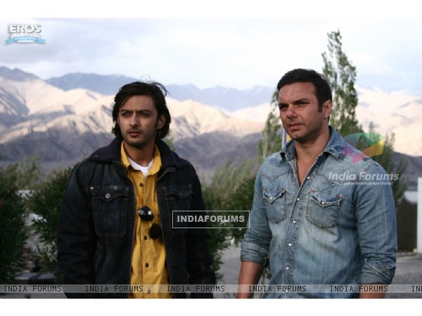 Vatsal Sheth and Sohail Khan looking confused
