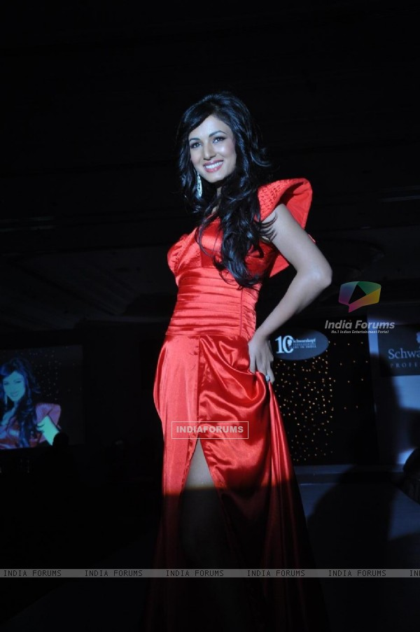 Sonal Chauhan graces the Schwarzkopf Professional Coffee Table book launch at the Leela Hotel