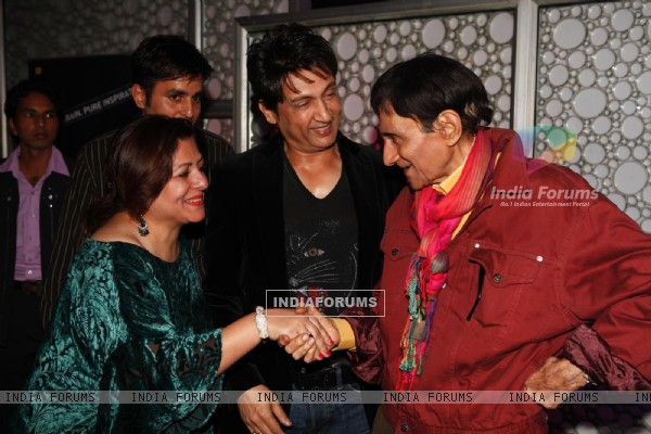 Shekhar Suman at Dev Anand�s old classic film �Hum Dono� premiere at Cinemax Versova