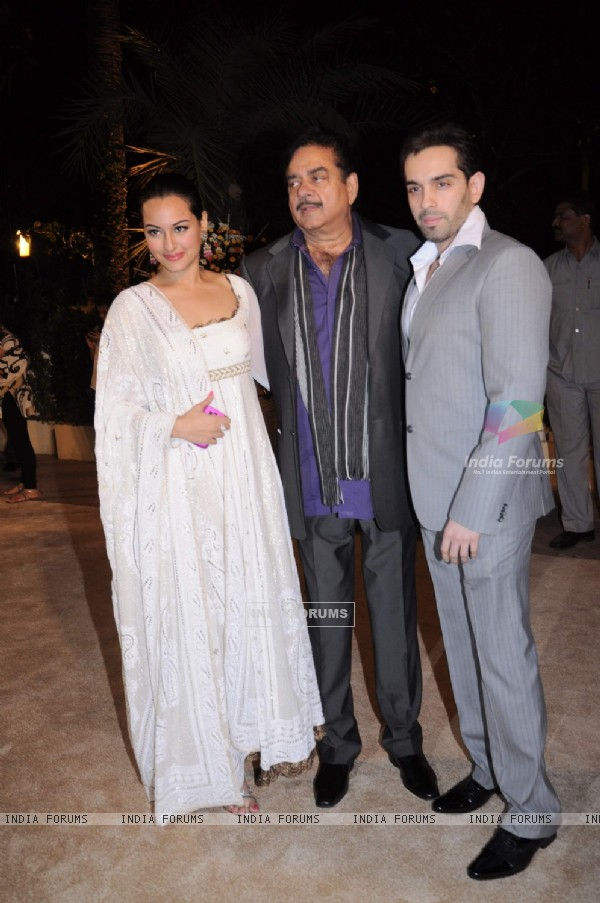 Sonakshi Sinha with father Shatrughan Sinha at Imran Khan and Avantika Malik's Wedding Reception Party at Taj Land's End. .