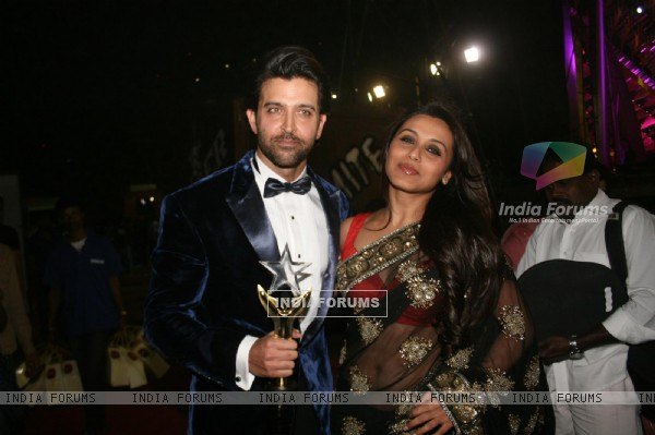 Rani Mukherjee and Hrithik Roshan at Stardust Awards-2011