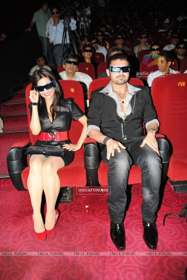 Twinkle Bajpai and Mimoh at Launch of Vikram Bhatt's 'Haunted - 3D' movie first look
