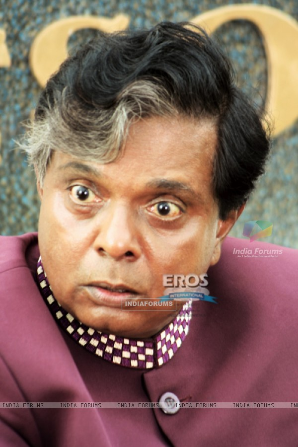 Sadashiv Amrapurkar in Mr. White Mr. Black movie