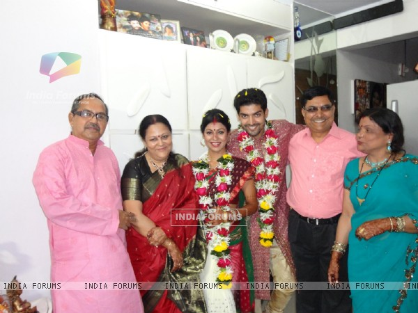 Gurmeet & Debina's parents in their wedding ceremony