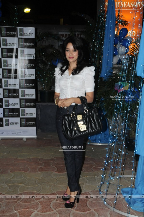 Vidya Malvade at launch of Nature Basket at Juhu