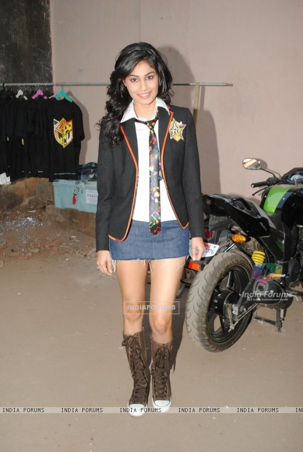 F.A.L.T.U movie actress Pooja Gupta on the sets of Jhalak Dikhla Jaa at Filmistan