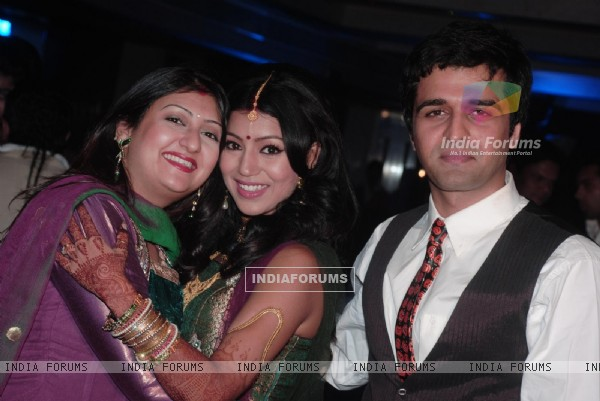 Sachin Shroff & Juhi Parmar at Gurmeet & Debina Choudhry's reception party