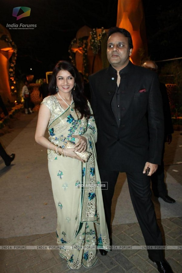 Bhagyashree with her husband at Videocons Venuegopal Dhoots Daughter Marriage