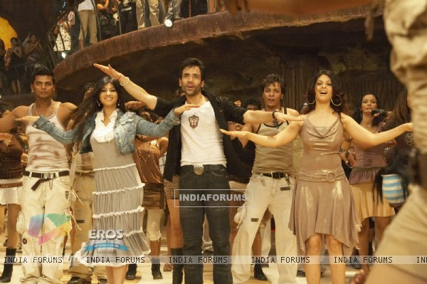 Tusshar,Ayesha and Anjana are dancing