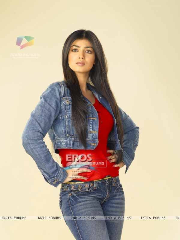 Ayesha Takia making a pose for photoshoot