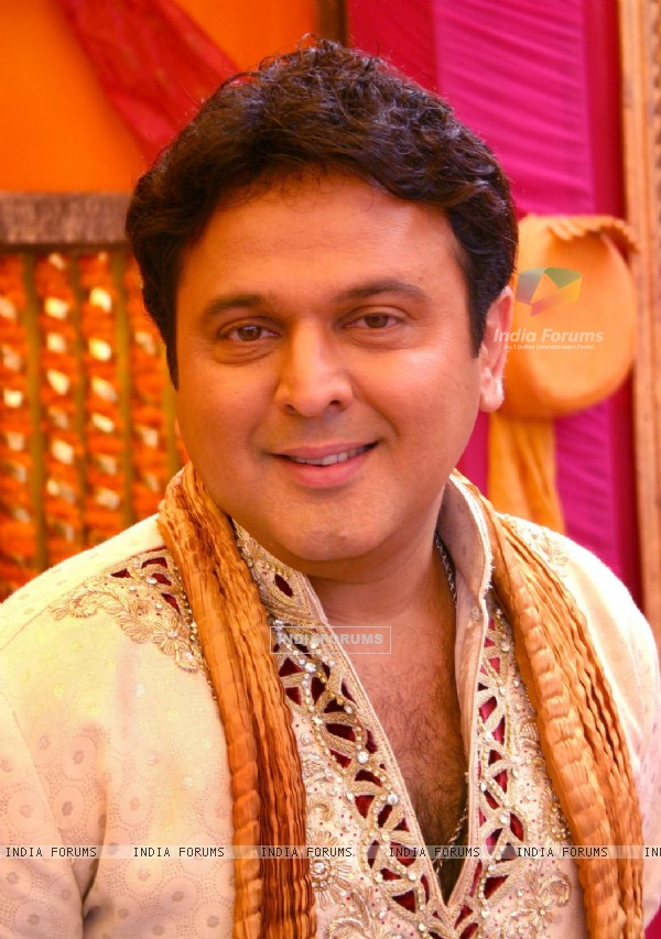 "Imagine TV show ""Shaadi 3 Carore Ki '' host Ali Asgar in New Delhi on Saturday- IANS Photo by Amlan Paliwal.."