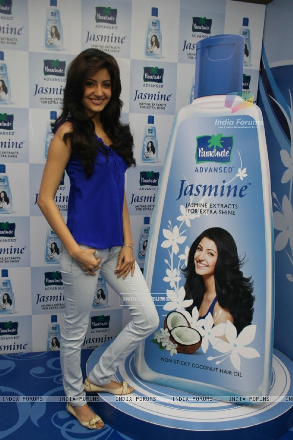 Anushka Sharma at Parachute Advansed Oil media meet, Yashraj Studio, Mumbai