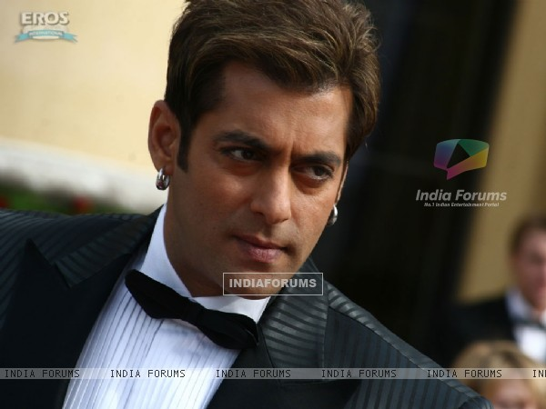 Salman Khan looking smart