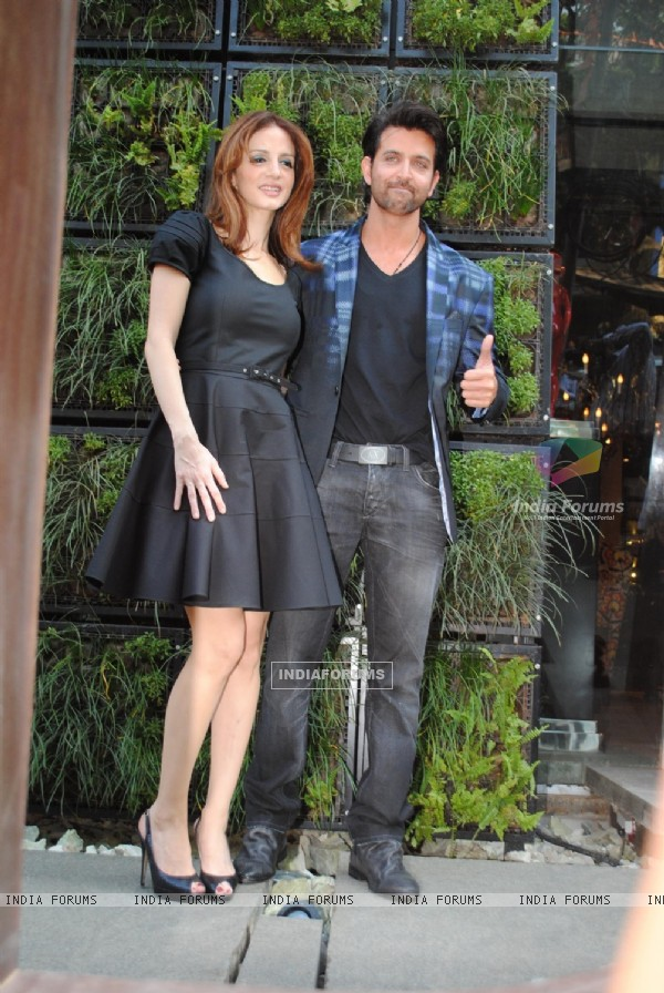 Hrithik and Suzanne Roshan at 'The Charcoal Project'