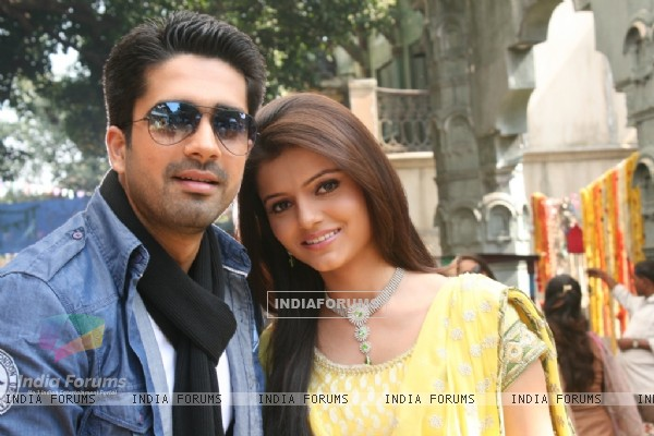 Avinash Sachdev and Rubina Dilaik as Dev and Radhika in Chhoti Bahu