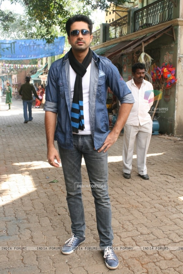 Avinash Sachdev as Dev in Chhoti Bahu