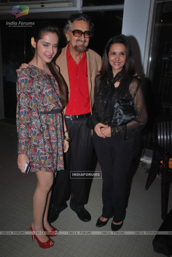 Shazahn Padamsee graces art event at Museum Art Gallery. .