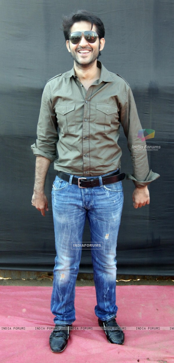 Hiten Tejwani at 'Lavasa Women's Drive 2011' in Mumbai