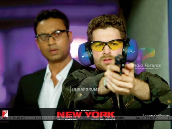 Neil Nitin Mukesh learns firing rifle from Irfan Khan