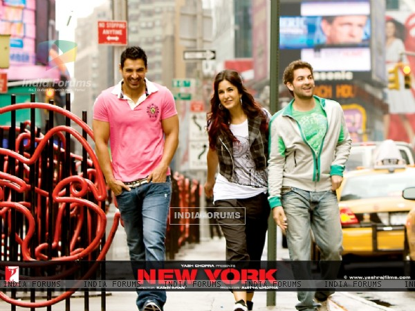 John Abraham, Katrina Kaif and  Neil Nitin walking on the footpath