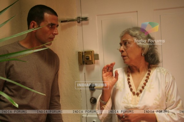 Akshay talking to a old lady