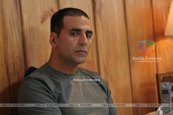 Akshay Kumar looking serious