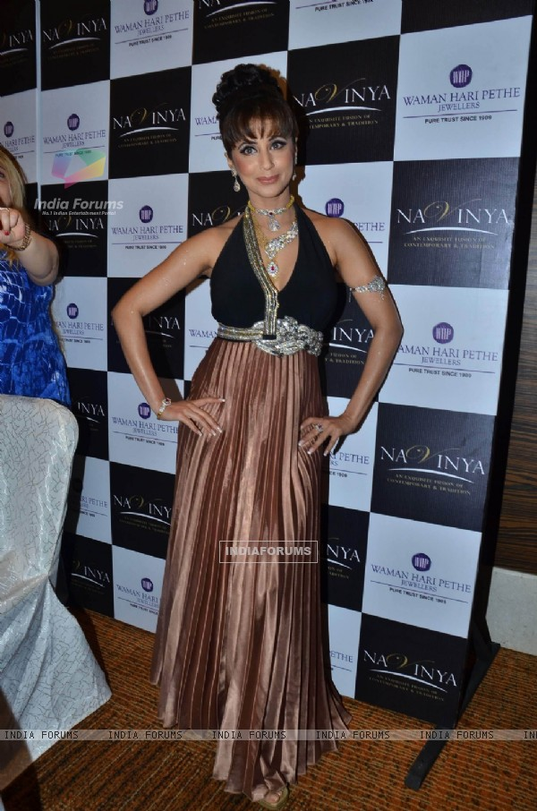 Urmila walks the ramp for Waman Hari Pethi Jewellery show at Novotel. .