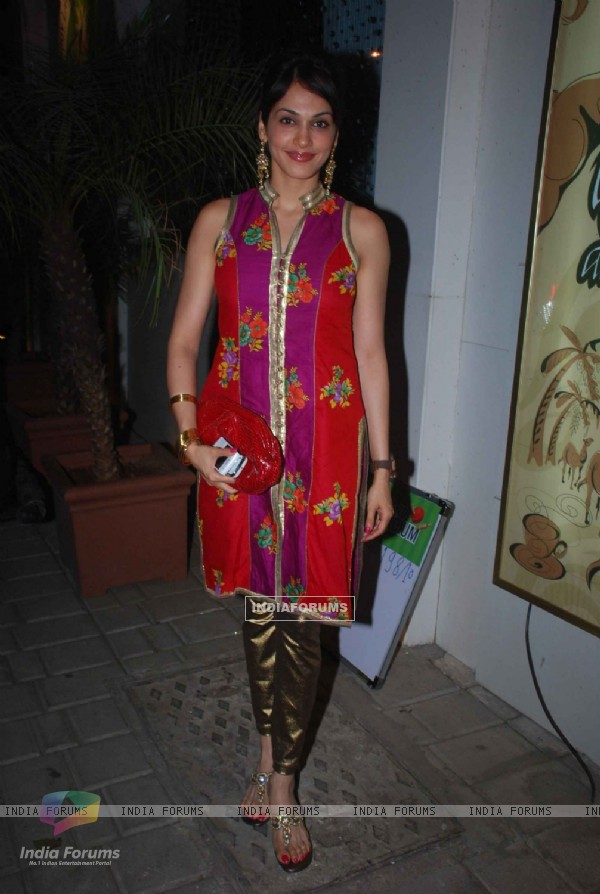 Eesha Kopikar at Anu Ranjan and Kiran Bawa Womens Party