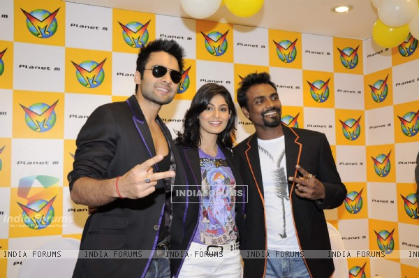 Jackky Bhagnani, Remo Dsouza and Pooja Gupta at F.A.L.T.U film music launch at Planet M, Mumbai (124778)