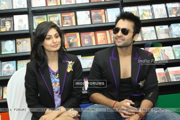 Jackky Bhagnani and Pooja Gupta at F.A.L.T.U film music launch at Planet M, Mumbai (124891)