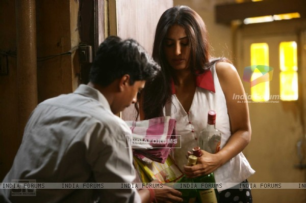 A still of Mahie Gill from the movie Dev D (12506)