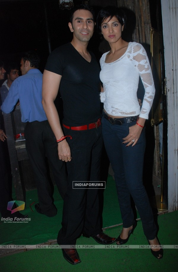 Sandeep Soparkar with Jessy Randhawa at Piyush Sachdev birthday bash -A rocking affair