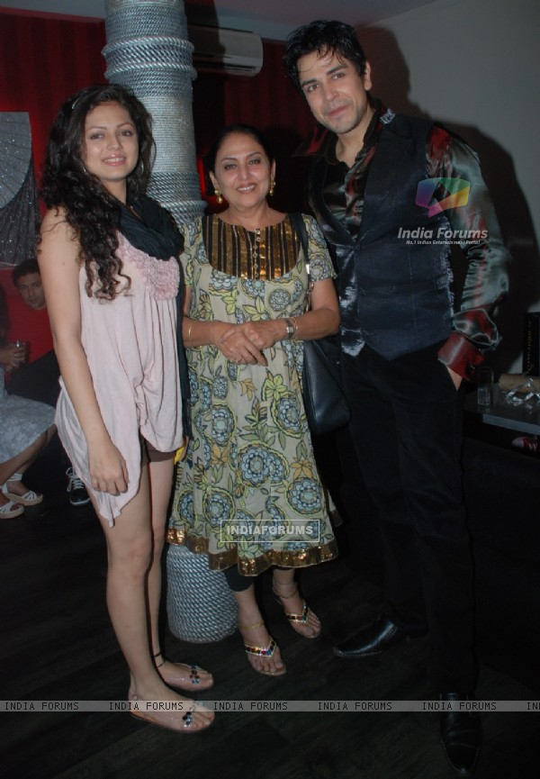 Drashti Dhami and Anju Mahendroo at Piyush Sachdev birthday bash -A rocking affair