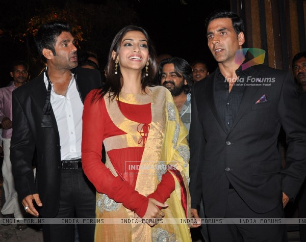 Sonam, Akshay and Sunil Shetty at Promotional event of film 'Thank You' at Madh Island