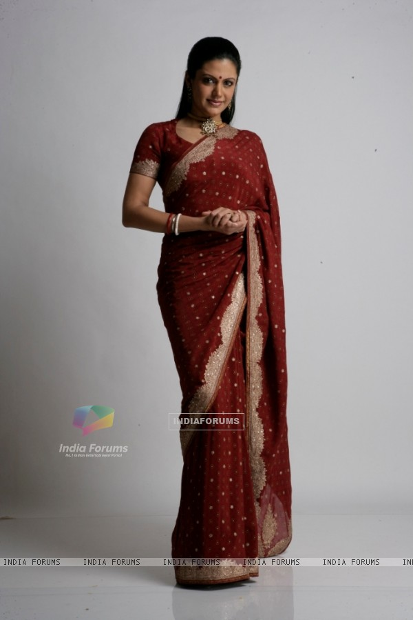 Mandira Bedi looking pretty in Red Sari