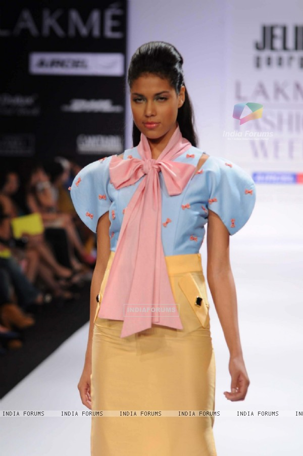 A model displays designer Jelin George's creations during the Lakme Fashion Week day 2 in Mumbai. .