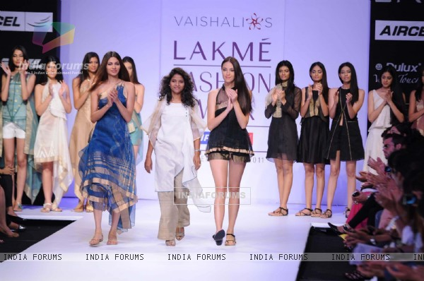 Models displays designer Vaishali's creations during the Lakme Fashion Week day 4 in Mumbai. .