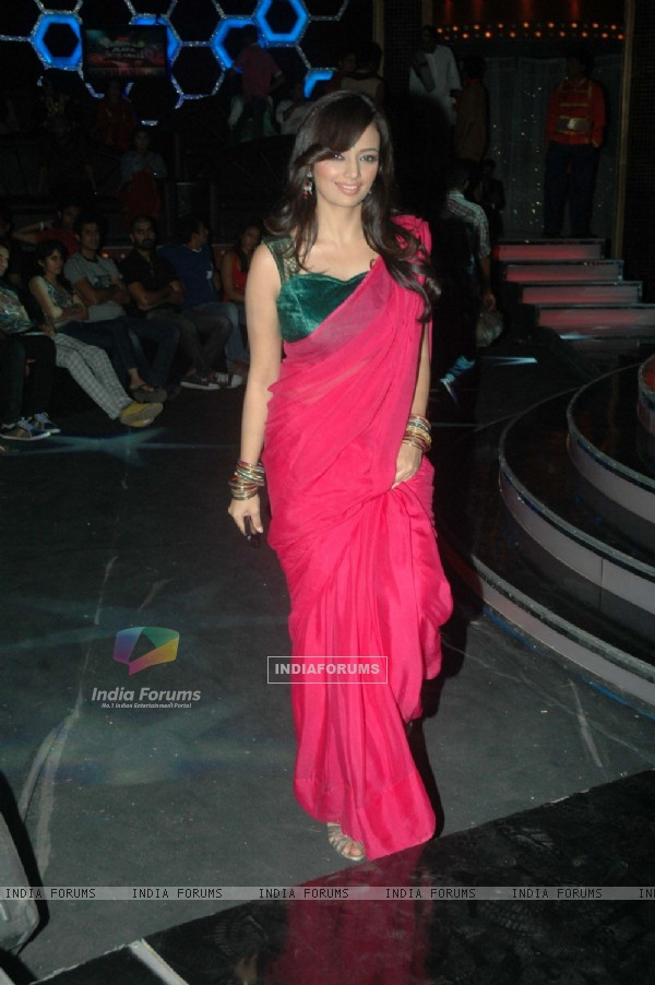 Roshni Chopra on the sets of Comedy Ka Maha Muqabla. .
