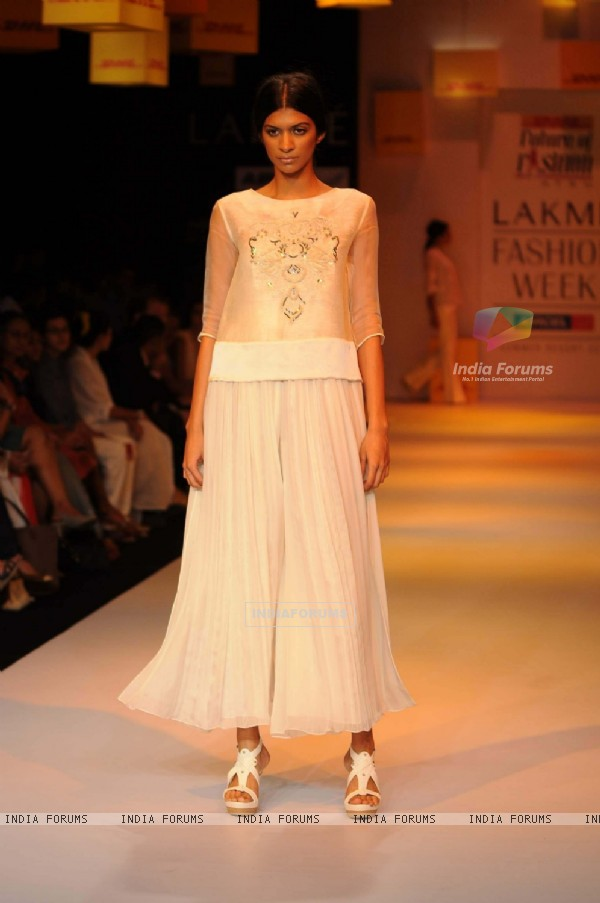 A model displays designer Astu's creations during the Lakme Fashion Week day 4 in Mumbai. .