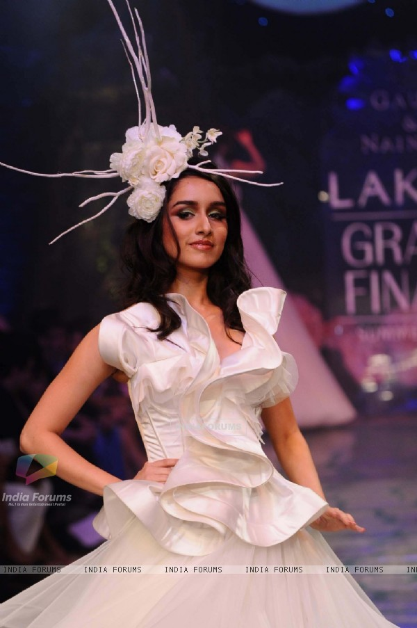 A model displays designer Gauri & Nainika's creations during the Lakme Fashion Week 2011 Day 5 in Grand Hyatt, Mumbai. .